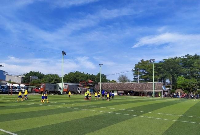 Sân bóng đá Cá Sấu Hoa Cà - Thủ Đức