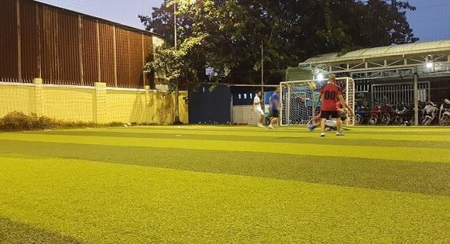 Sân bóng đá Nguyễn Thị Định