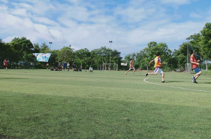 Sân bóng đá Nhị Xuân