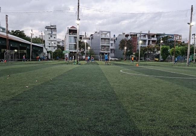 Sân bóng đá Ops