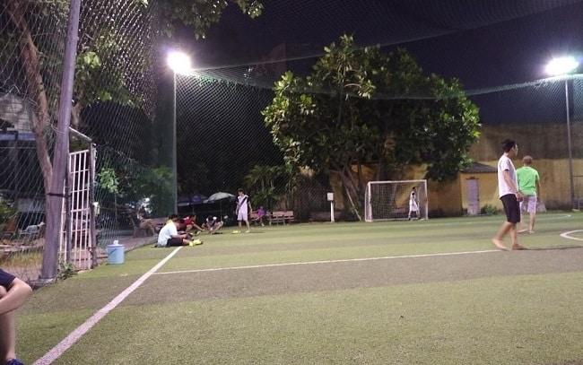 Sân bóng đá Trần Kế Xương