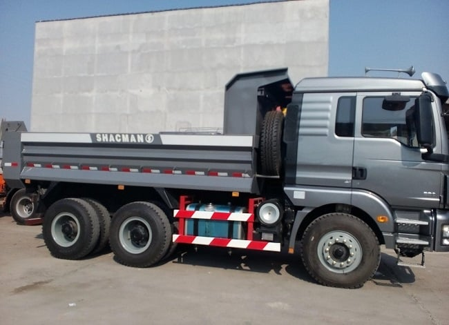 Xe tải ben Shacman 3 chân 13 tấn