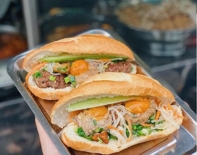 Bánh mì há cảo đường Nguyễn Thị Minh Khai