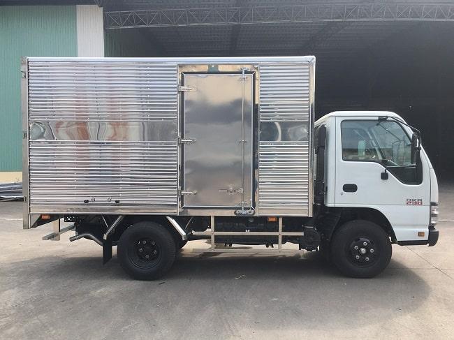 Giá xe tải 1.4 tấn Isuzu QKR77FE4