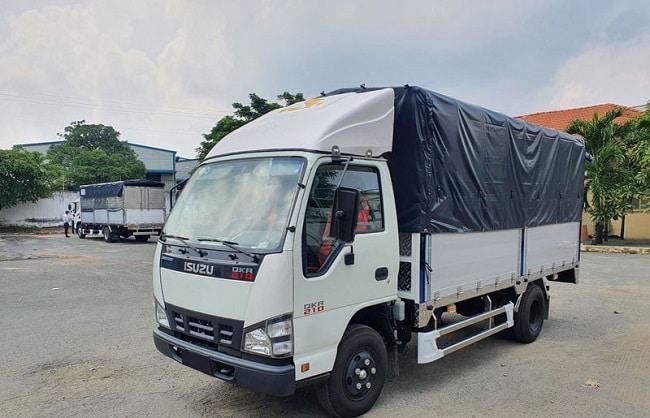 Giá xe 2 tấn Isuzu QKR77HE4