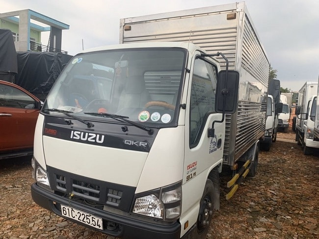 Giá xe tải Isuzu 2.5 tấn