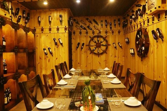Hầm rượu ở nhà hàng ẩm thực ẩm thực 316
