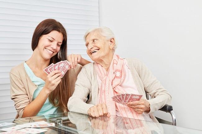 Dịch vụ chăm sóc người già tại nhà ở TPHCM