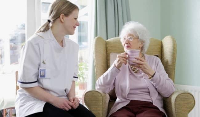 Dịch vụ chăm sóc người già tại nhà ở TPHCM - Gia Phát