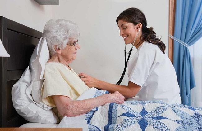 Dịch vụ chăm sóc người già tại nhà ở TPHCM - Việt Mỹ