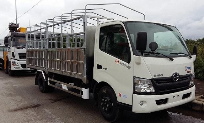 Giá xe tải 5 tấn Hino XZU730L