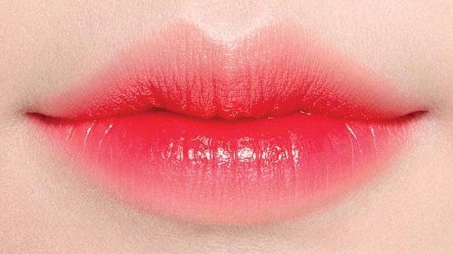 Xăm môi có được ăn thịt vịt không?