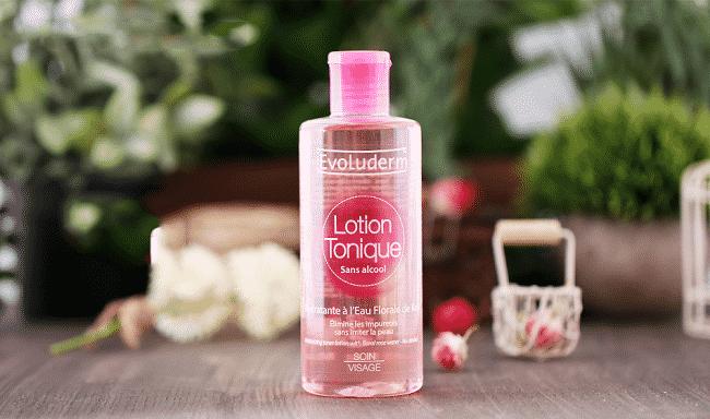 Cách trị mụn lưng tại nhà bằng nước hoa hồng