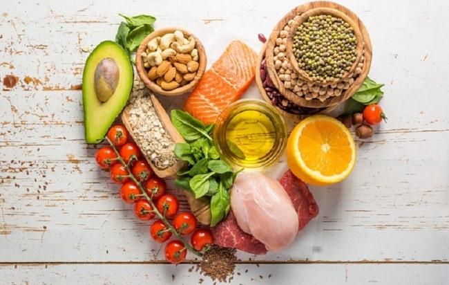 Chế độ ăn uống hợp lý giúp da mịn màng hơn
