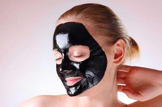 Cách làm mặt nạ than hoạt tính lột mụn đầu đen
