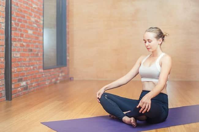 Hít thở giúp nâng cơ mặt