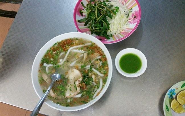 Bánh canh cá lóc Đồng Quán