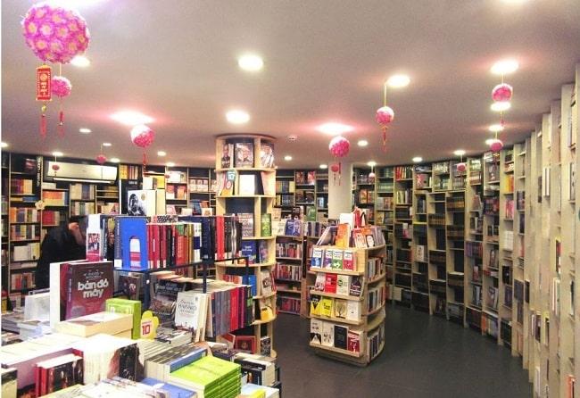 Nhà sách Cá Chép - Địa điểm bán sách ngoại văn chất lượng hàng đầu TPHCM