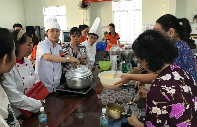 Dạy nấu ăn tại nhà văn hóa Phụ nữ TPHCM