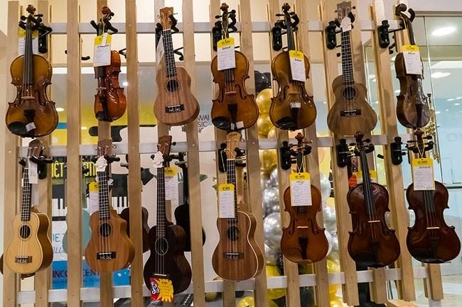 Việt thương Music