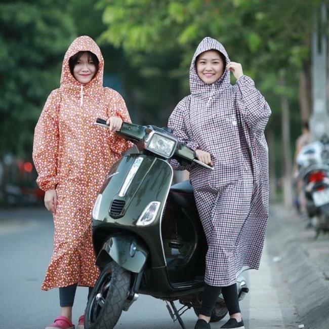 Áo mưa Việt