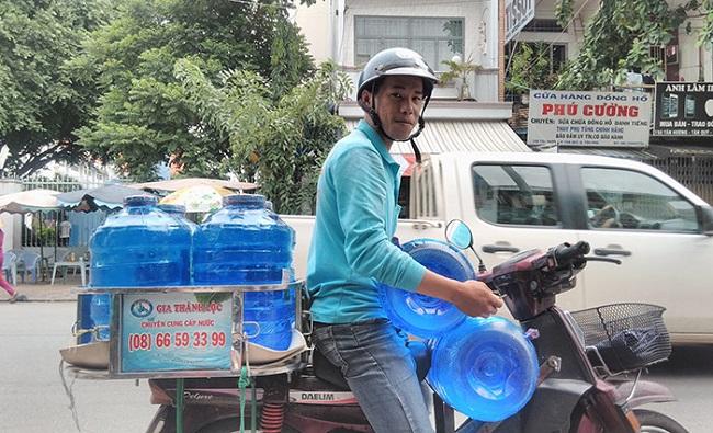 Giao nước tính khiết tại nhà Gia Thành Lộc