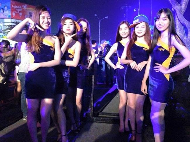 Người mẫu Á Châu