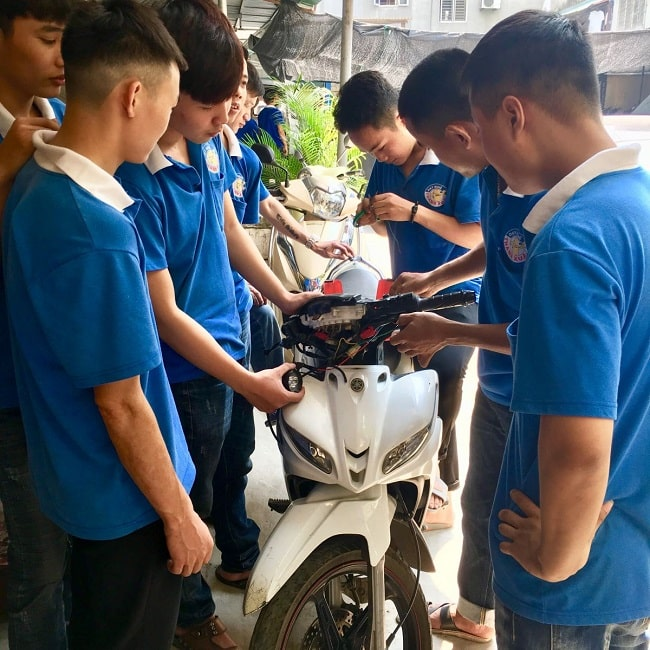 Học sửa chữa xe máy tại TPHCM