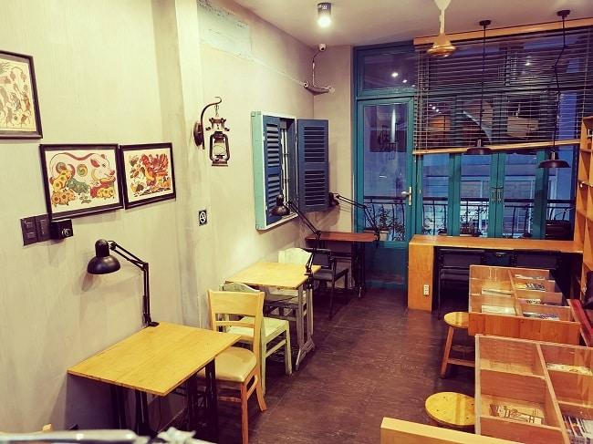 Không gian đọc sách tại Slowee Coffee & Books