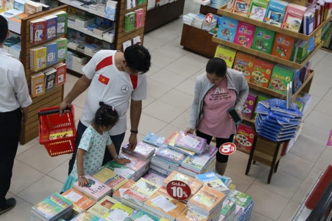 Nguyễn Văn Cừ - Cửa hàng bán SGK TPHCM