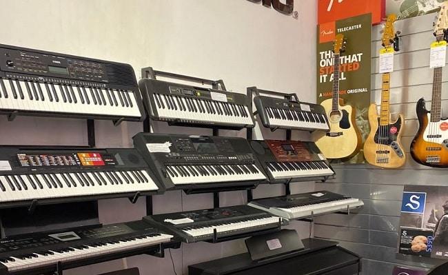 Đàn Organ tại Cửa hàng nhạc cụ Việt Thanh