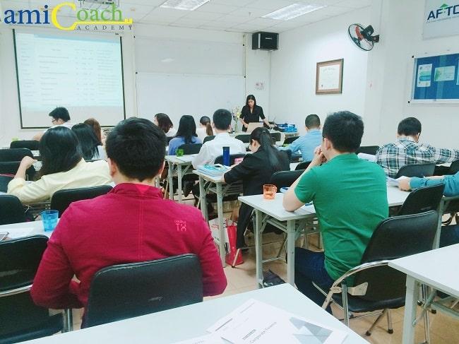 Học CFA tại Học viện amiCoach