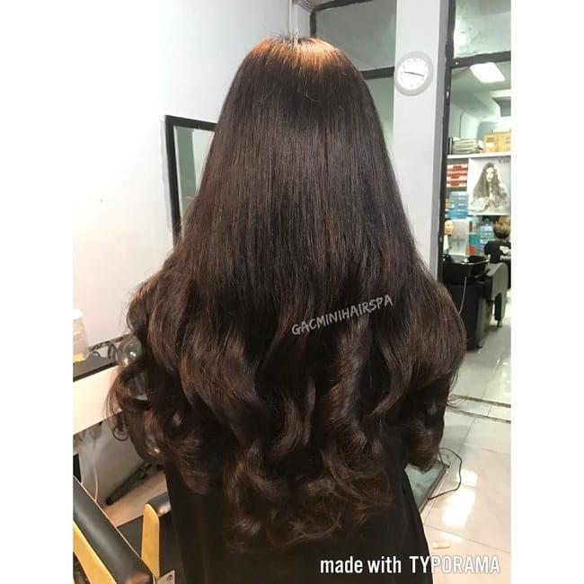 Làm tóc xoăn lượn sóng tại Gácmini Hair Spa