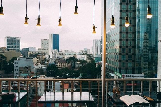 View ngắm phố đi bộ tại Boo Coffee