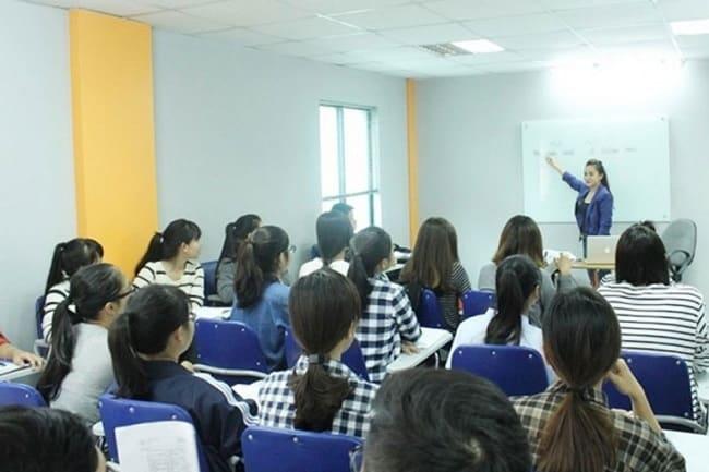 Học biên phiên dịch tại Trường Đại học Sài Gòn